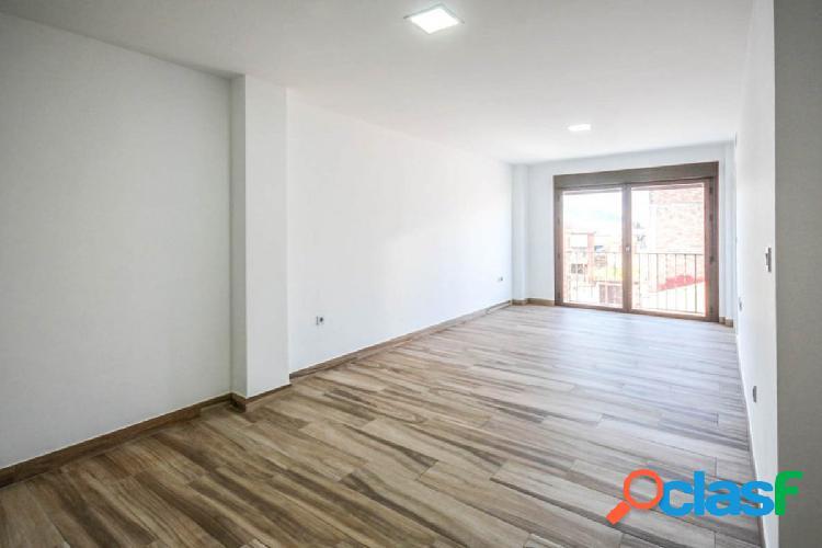 Promoción de pisos, nuevos a estrenar, en el centro de