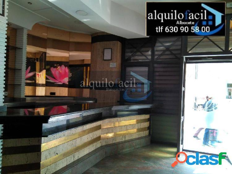 SE ALQUILA BAR EQUIPADO/ PARQUE SUR/ 106 METROS/ 1400 €