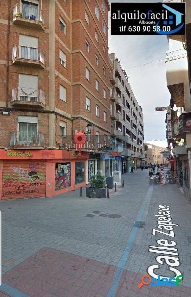 SE ALQUILA PISO| 3 dormitorios| sin muebles| c/zapateros|