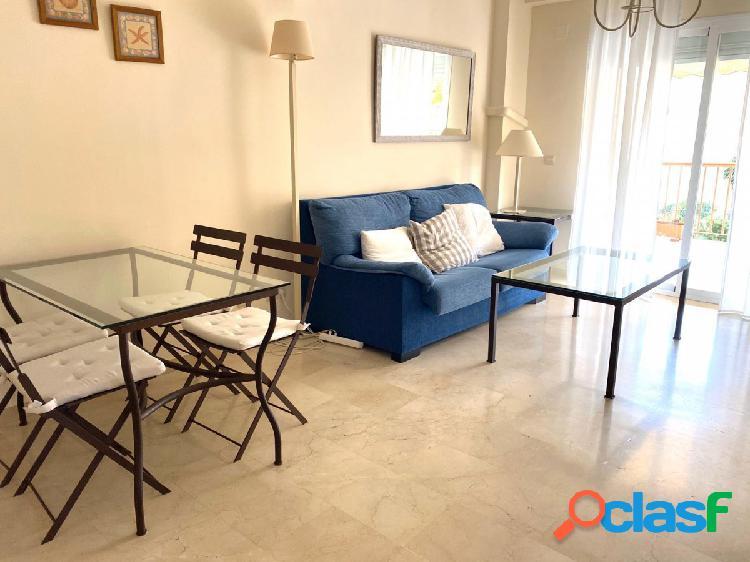 Se alquila piso de 2 dormitorios en Calahonda