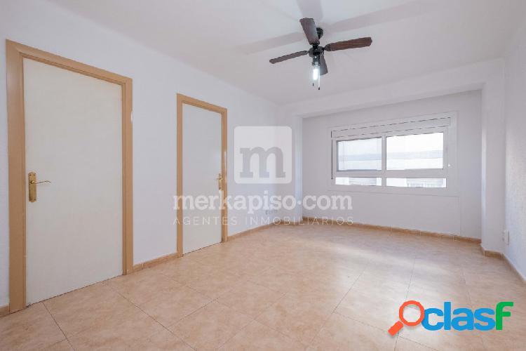 Se vende piso de 4 dormitorios en Viladecans Posibilidad de