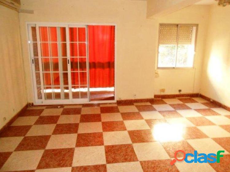 Un gran piso de 4 dormitorios en Ciudad Jardín. Sin