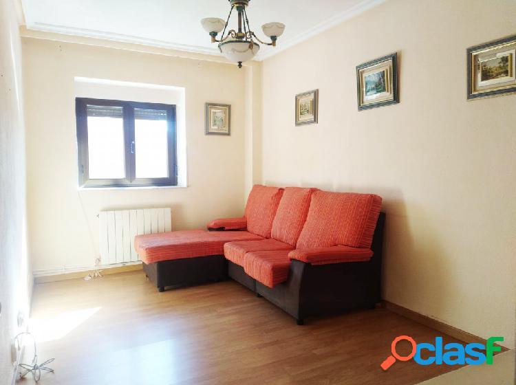 Urbis te ofrece estupendo piso en zona San Bernardo,