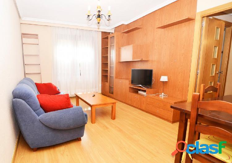 Urbis te ofrece piso en alquiler en zona Plaza del Oeste,