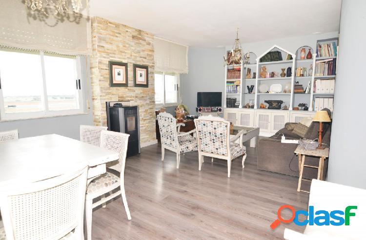 Urbis te ofrece un bonito piso en alquiler zona El Encinar,