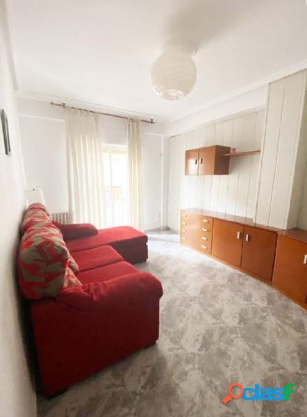 Urbis te ofrece un estupendo piso en venta en zona Delicias,