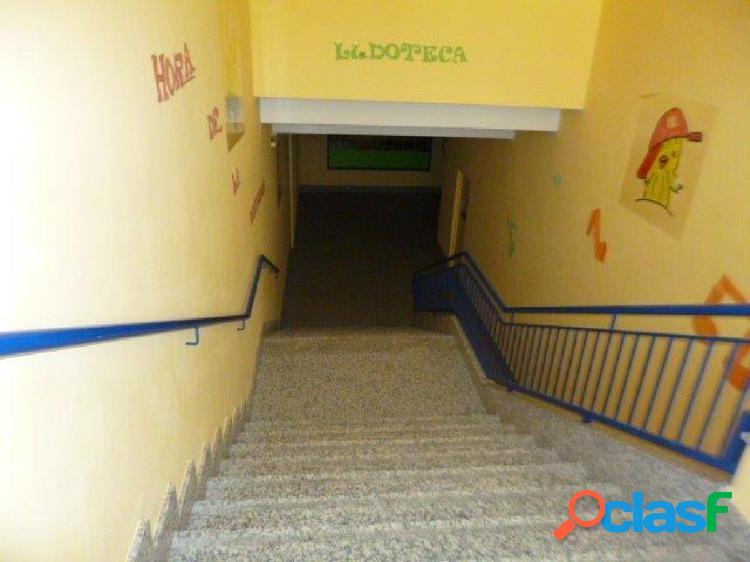 Urbis te ofrece un excelente local comercial en Castellanos