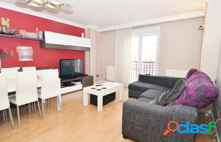 Urbis te ofrece un precioso piso en venta en Santa Marta de