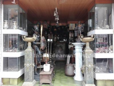 Urge traspasar!!!tienda de antigüedades por jubilación.