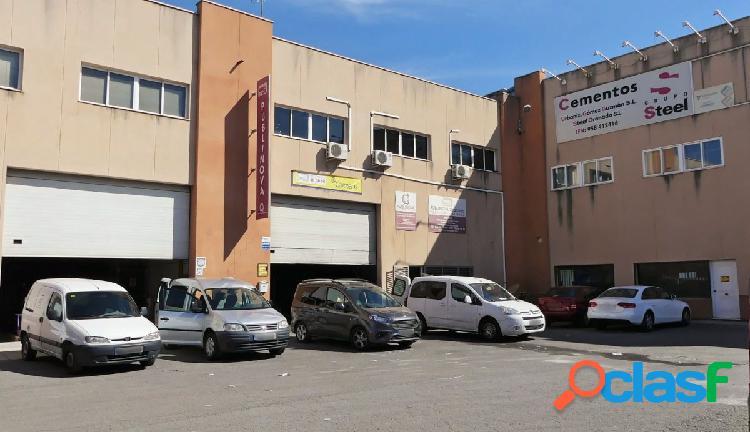 Venta de nave industrial en el Polígono Juncaril (Peligros)