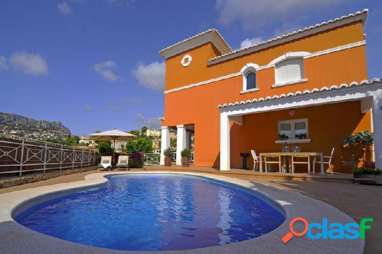 Villa con piscina privada en Calpe
