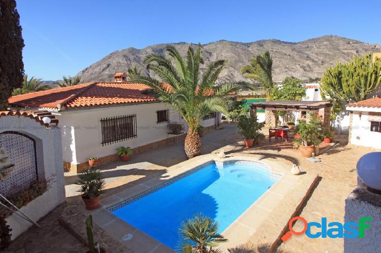 Villa de estilo Mediterráneo español en Bella Orxeta