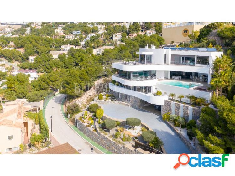 Villa de lujo de estilo moderno con vistas al mar en venta