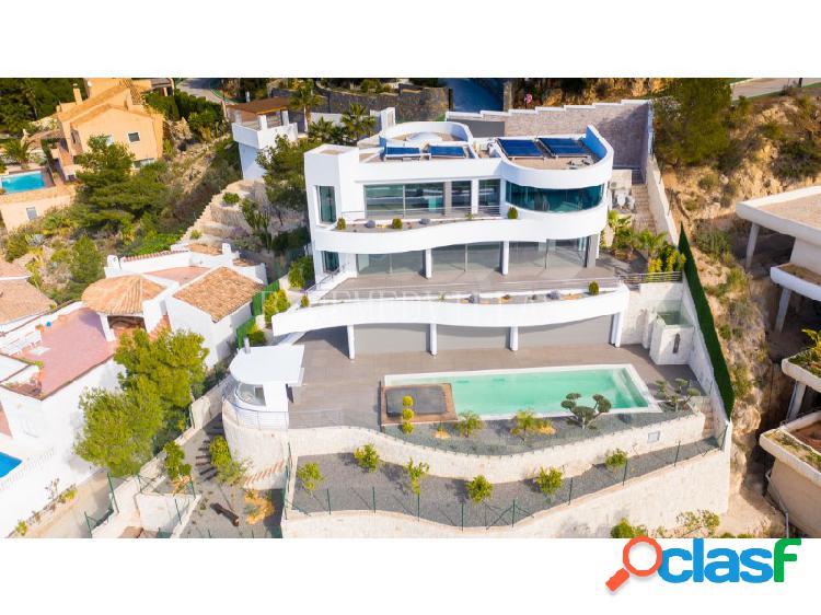 Villa de nueva construcción de estilo moderno con vistas