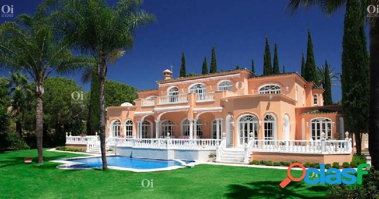 Villa en Venta en Estepona, Malaga