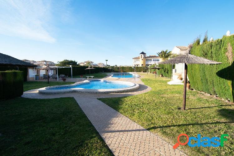 Villa independiente en Villamartin, 3 dormitorios, 2 baños