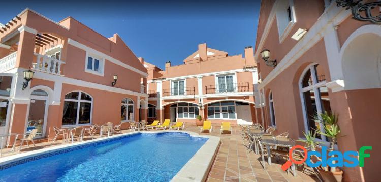 en venta Hotel a pie de Playa en Torrevieja.
