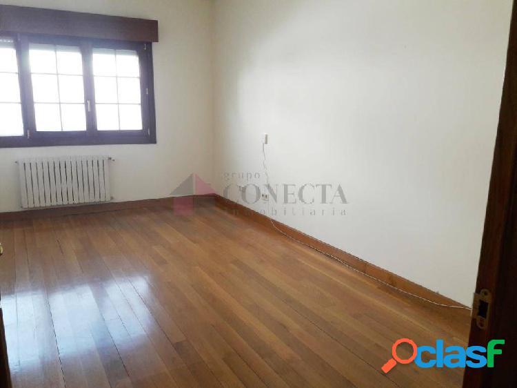 piso en el CENTRO 2 DORMITORIOS sin muebles
