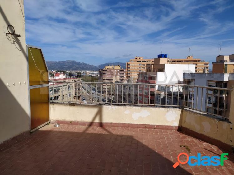 Ático con 2 hab. y terraza 25 m2 en zona PLAZA DE TOROS