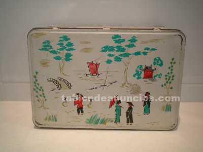 Caja de cola cao (edición chinos) botiquin