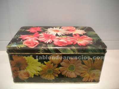 Caja de cola cao edición flores dalias