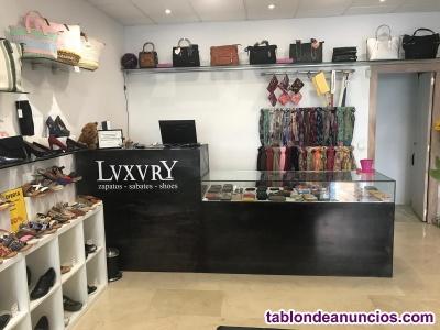 Traspaso zapatería con licencia de moda y complementos