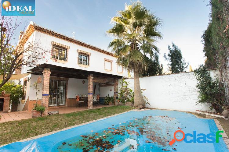 A6797M4. Estupenda casa para entrar a vivir en La Zubia.