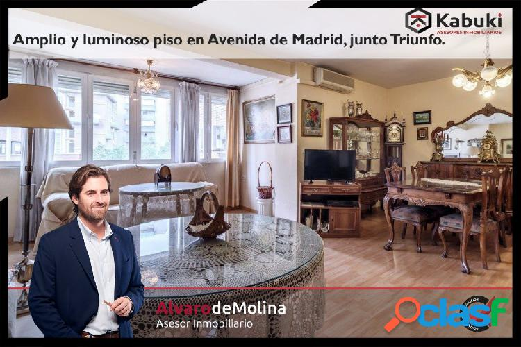 Amplísimo inmueble en Avenida de Madrid. Zona ideal para