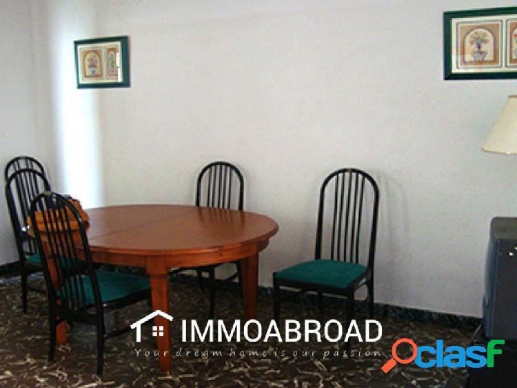 Apartamento en venta en Ayora con 3 dormitorios y 1 baños