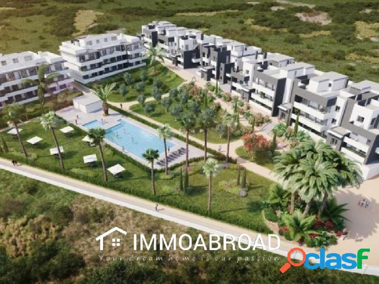 Apartamento en venta en Estepona con 2 dormitorios y 2