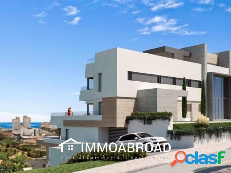 Apartamento en venta en Estepona con 3 dormitorios y 2