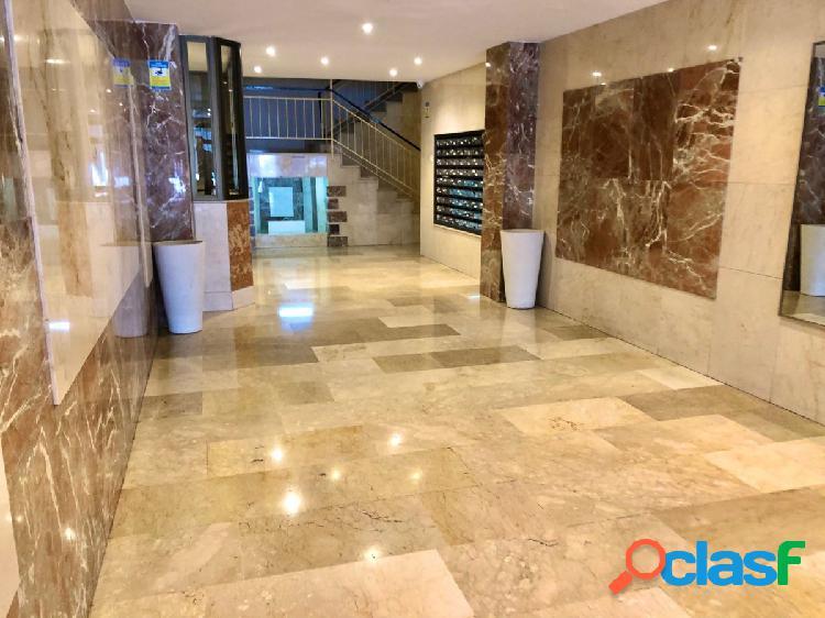 Bonito piso Semireformado junto a ARabial, con 4