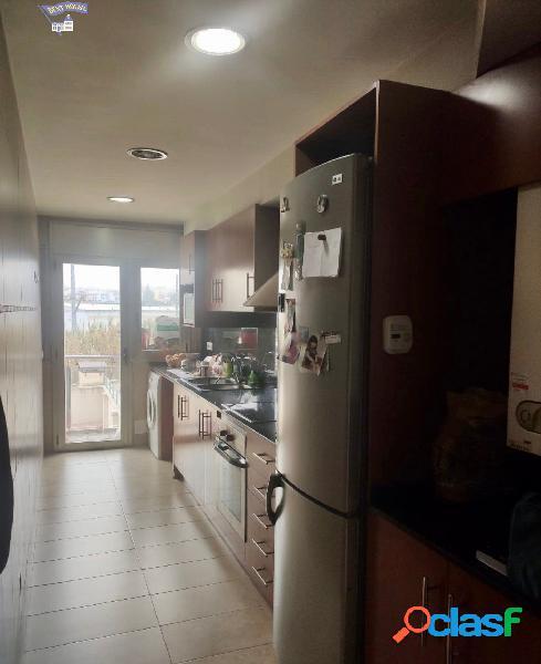Bonito piso de 3 habitaciones zona Crta. de Vic