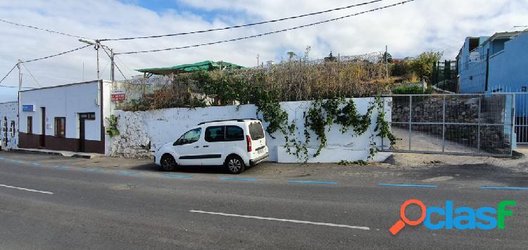 Casa Terrera con Terreno en Santo Domingo