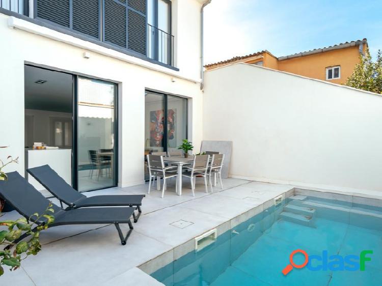 Casa de diseño minimalista con piscina privada en Portixol