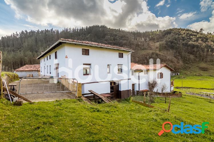 Casa en venta de 600 m² en Avda. Merelludi, 48710
