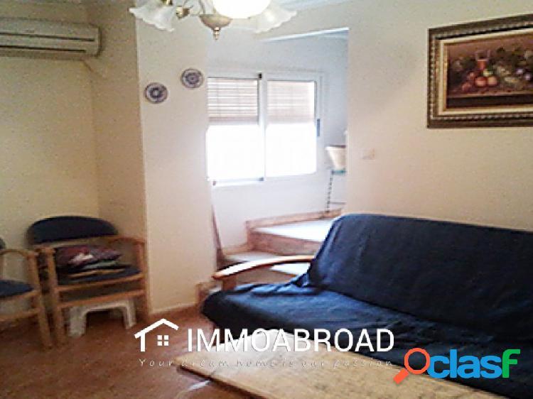 Casa en venta en Ayora con 4 dormitorios y 1 baños