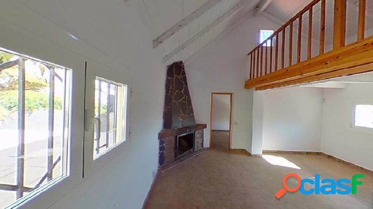 Casa en venta en Urb Les Palmeres.