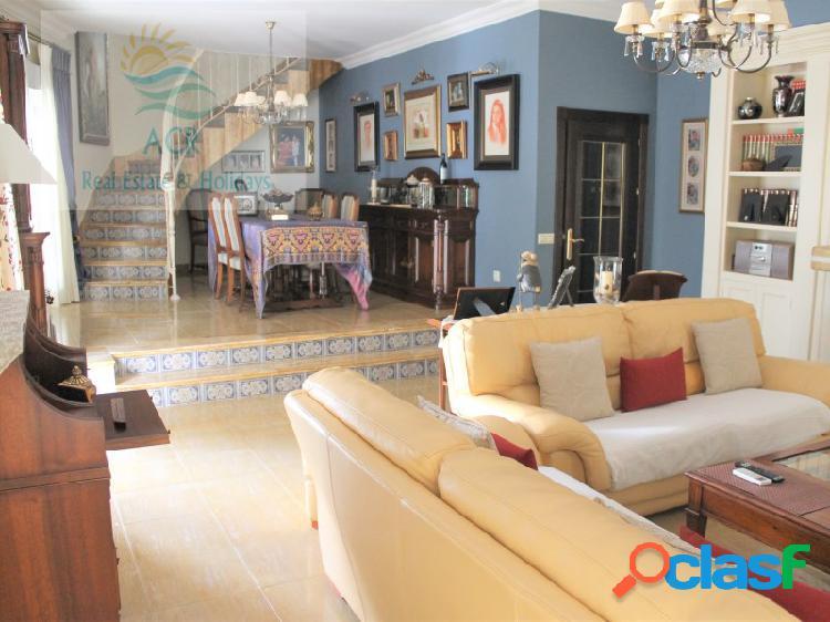 Casa en zona CENTRO de Ayamonte de 344m2 en 2 plantas