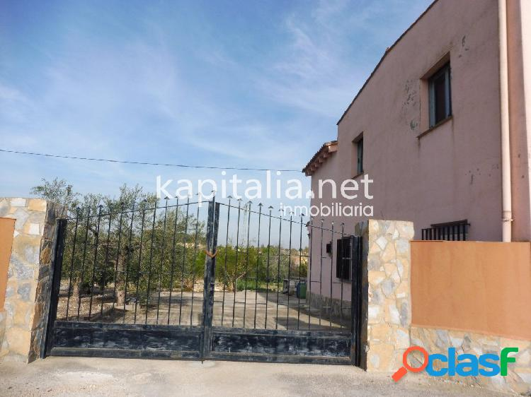 Chalet a la venta en Ontinyent, zona Casa Salces (El Pilar).