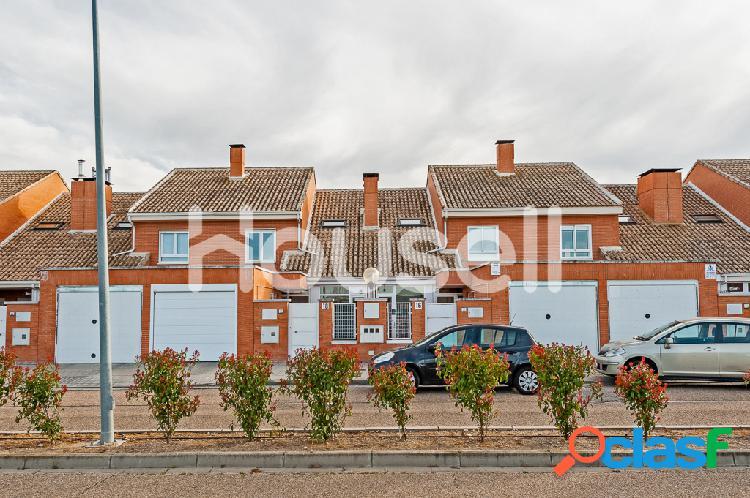 Chalet en venta de 205 m² en Avenida De las Navas, 47162