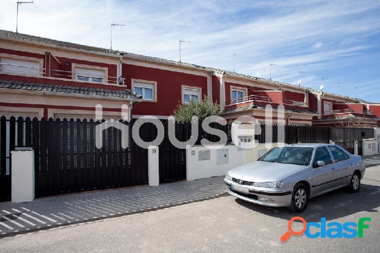 Chalet en venta de 218 m² en Calle Isabel de Castilla,