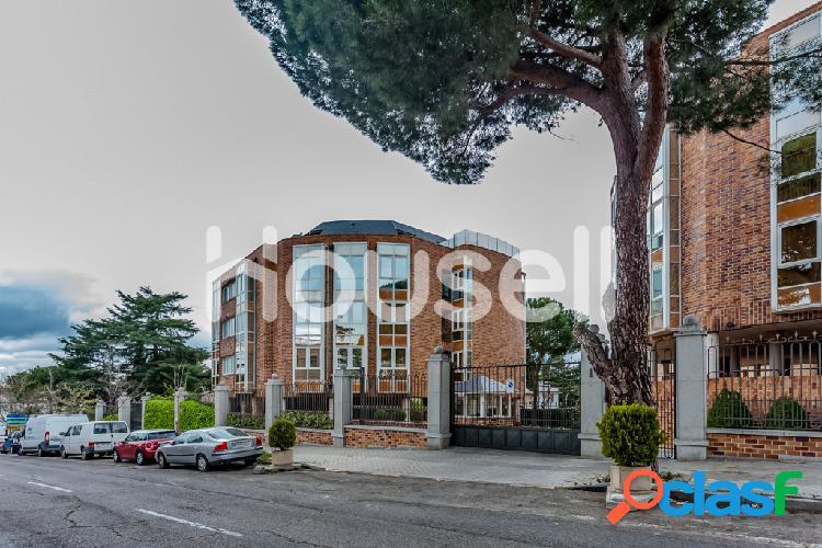 Dúplex en venta de 205 m² en Calle Emeterio Castaño,