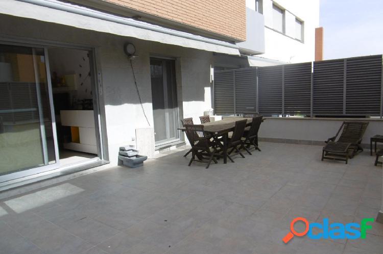 Dúplex en venta en zona norte de Ferreries, gran terraza y