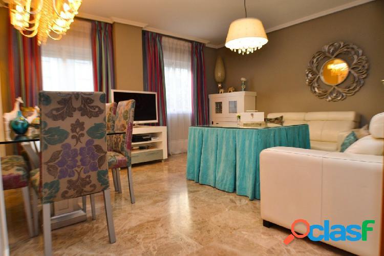 Estupenda vivienda de 3 dormitorios en zona Hipercor.
