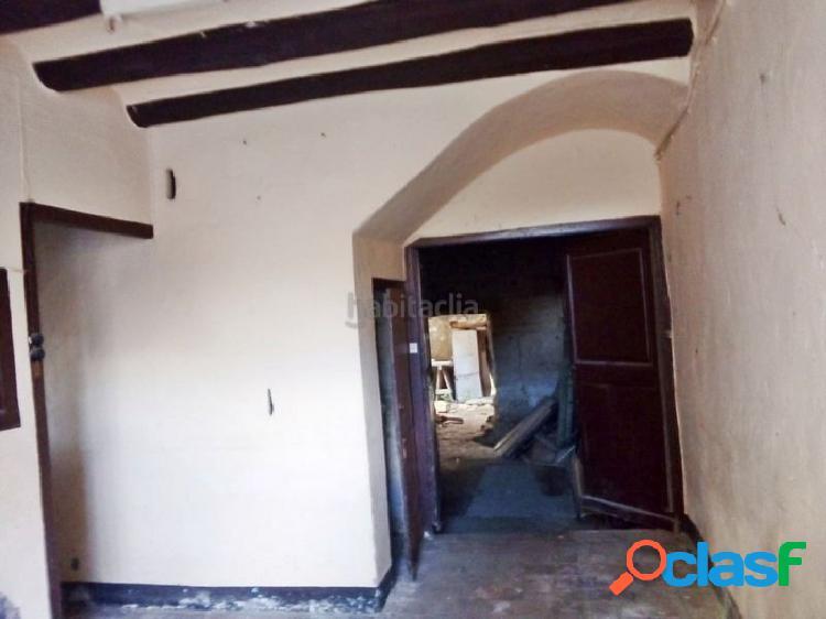 Fantástica casa de pueblo a reformar en Sant Llorenç