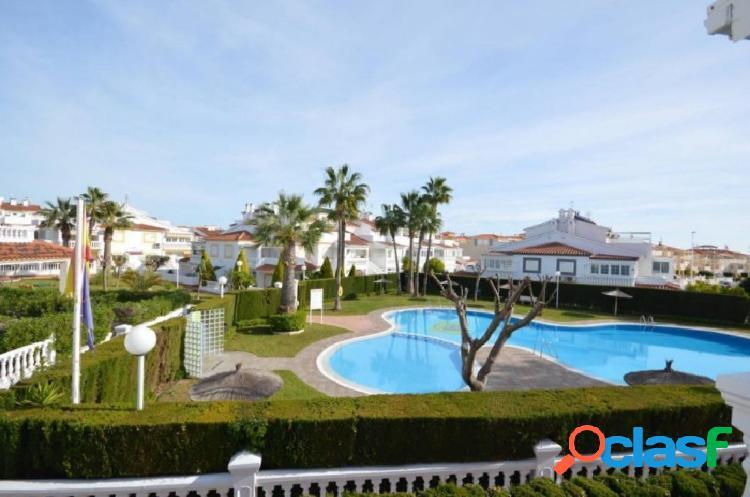 Fantástico Dúplex, espacioso, con gran jardín y piscina
