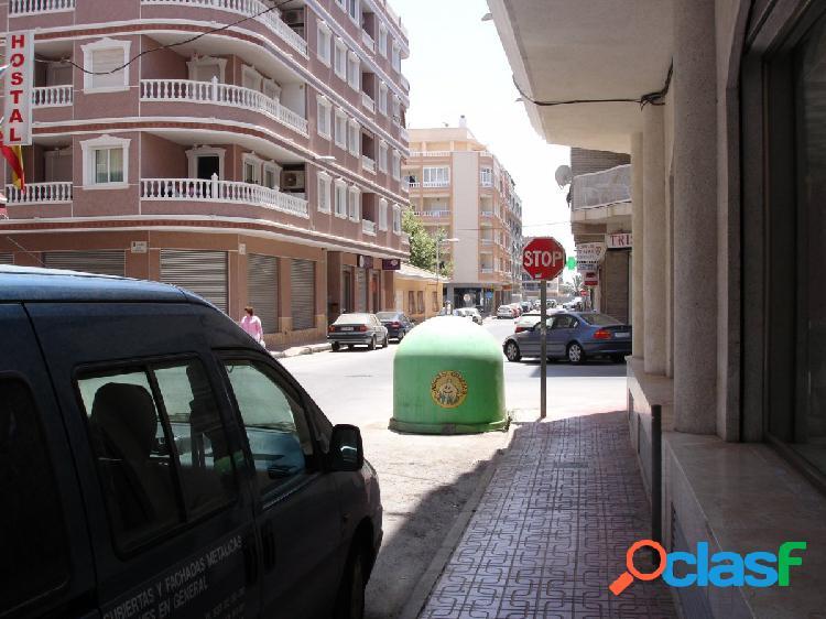 LOCAL ENORME EN PLAYA DE LOS LOCOS