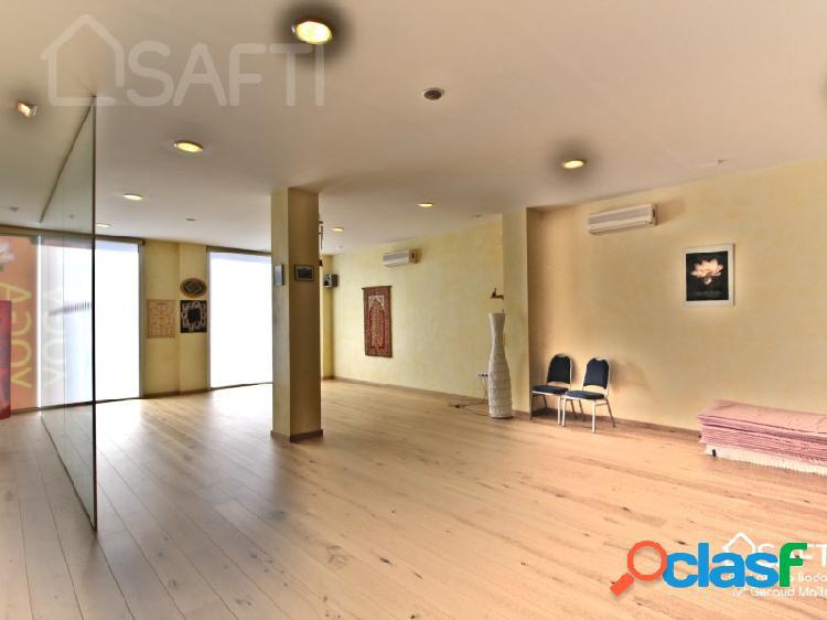 Magnífico local de 142 m² muy luminoso en el centro de