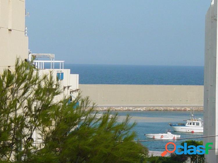 Piso con vistas al Puerto de Garrucha.